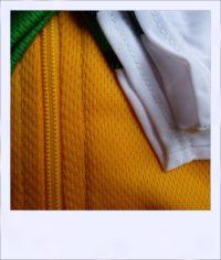 Chevron Green short sleeve recumbent men's jersey - zip close-up