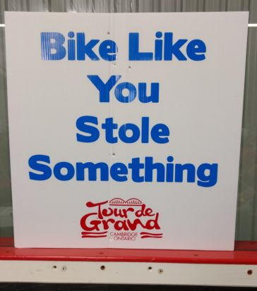 Cambridge Tour de Grand - sign pic